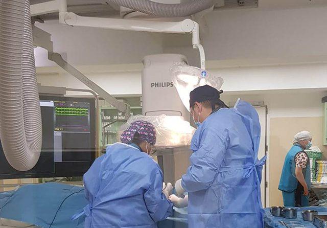 Primele implanturi de cardiodefibrilatoare realizate la SCJU Sibiu de o echipă coordonată de Dr. Cornel Ioan Bitea