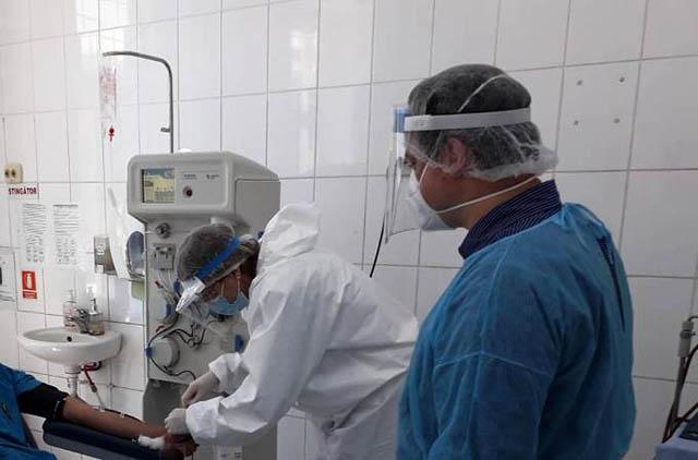 Apel pentru pacienții vindecați de COVID-19: donați plasmă și contribuiți la salvarea de vieți omenești