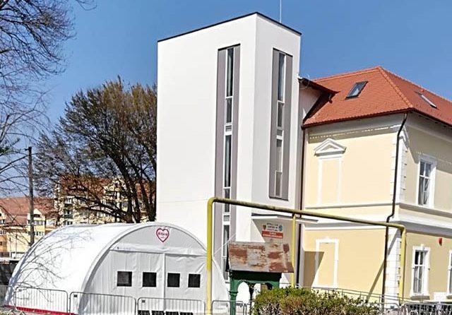 Noi corturi amenajate pentru circuitele din Spitalul Judeţean Sibiu