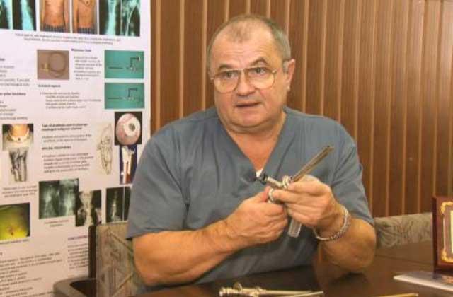 """Prof.univ.dr. Dan Sabău: intervenția chirurgicală miniinvazivă la copii este o soluție de aur pentru micuții pacienți""""."""