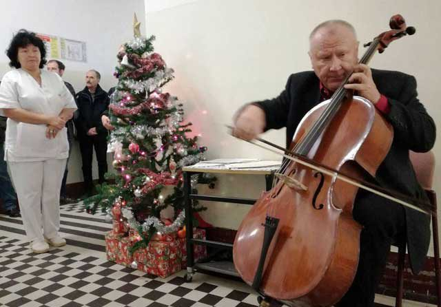 Sunetul magic al colindelor a răsunat la Spitalul Clinic Județean de Urgență Sibiu