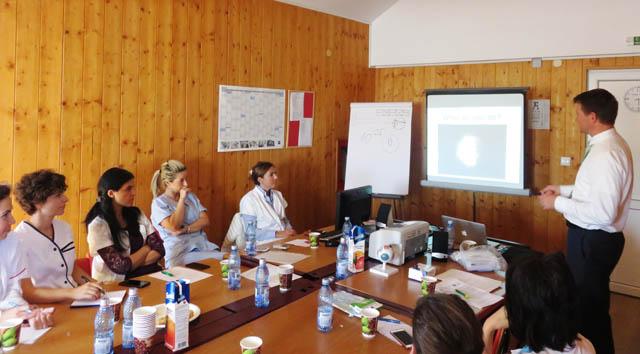 Aparatură performată donată din S.U.A pentru Secția Clinică Oftalmologiea SCJU Sibiu. Medicii americani susțin și un workshop