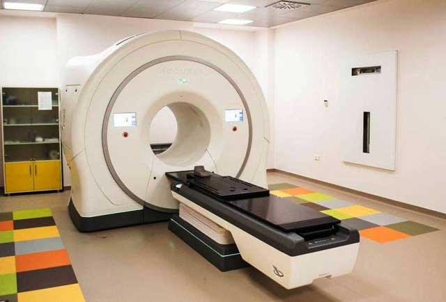 Pacienţii SCJU Sibiu vor beneficia de cel mai modern aparat de radioterapie din ţară