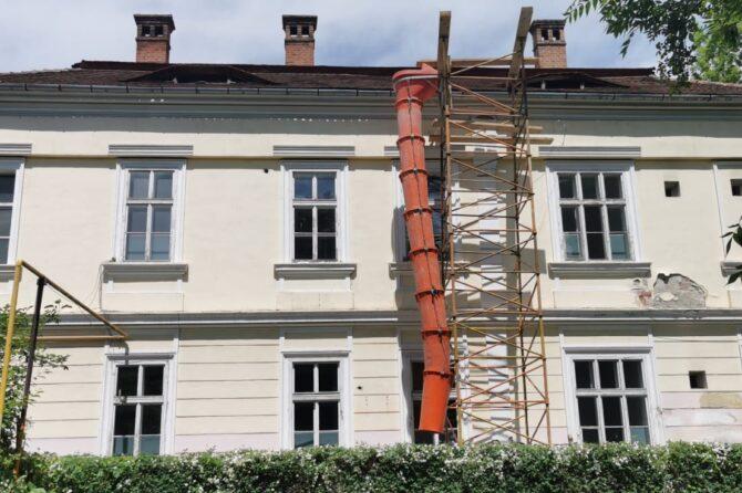 VEȘTI BUNE: Un nou șantier deschis la Spitalul Județean: Clădirea Secției Clinice Dermato-Venerologie a intrat în reabilitare termică
